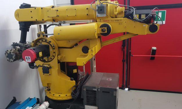 ROBOT FANUC S-420 i F
